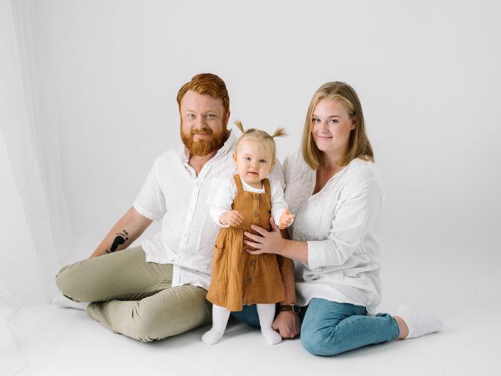 elinstahre-fotograf-jonkoping-barn-familj-nyfodd