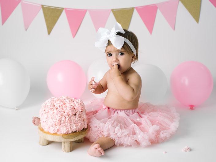 smash-the-cake-elinstahre-jonkoping-barnfotograf-ettarsfotografering