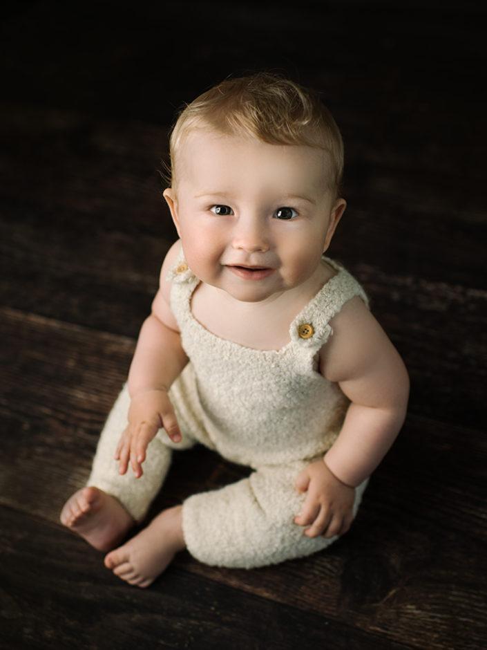 barnfotograf-jonkoping-bebis-nyfodd-sittersession-elinstahre