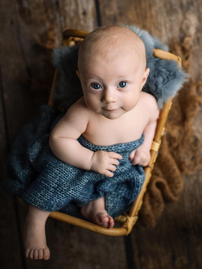 nyfodd-fotograf-jonkoping-elinstahre-bebis