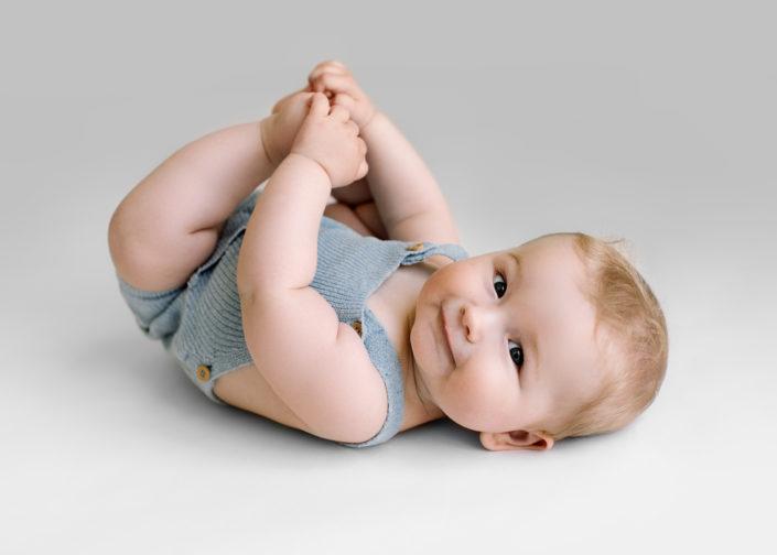 barn-fotograf-smash-nyfodd-familj-bebis-jonkoping-smaland-elinstahre7 (1)