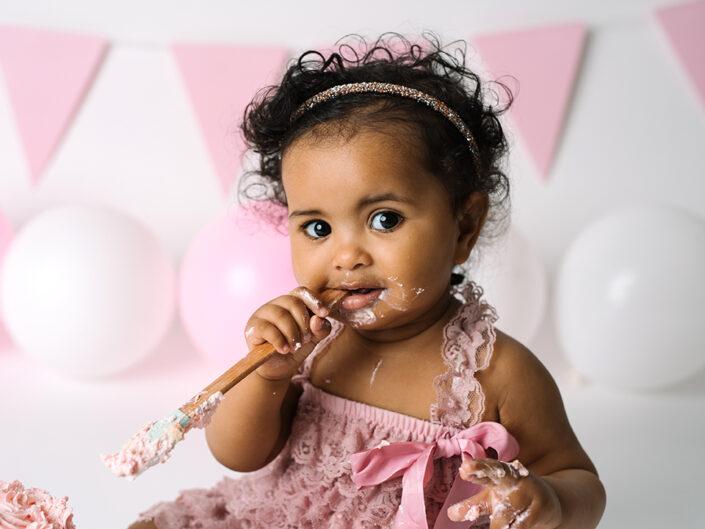 smash-the-cake-jonkoping-elinstahre-1arsfotografering-bebisbilder-fotograf (1)