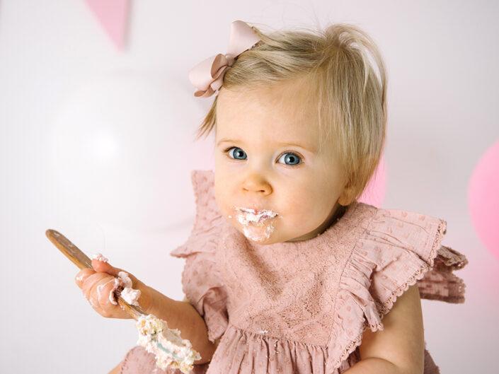 smash-the-cake-jonkoping-barnfotograf-bebis-ettårsfotografering-elinstahre (9)